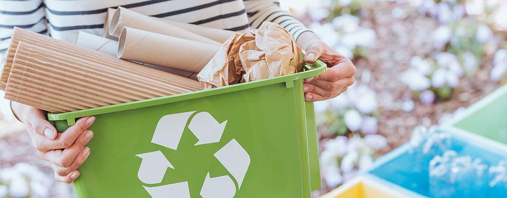 Mülltrennung zum Recyclen von Müll